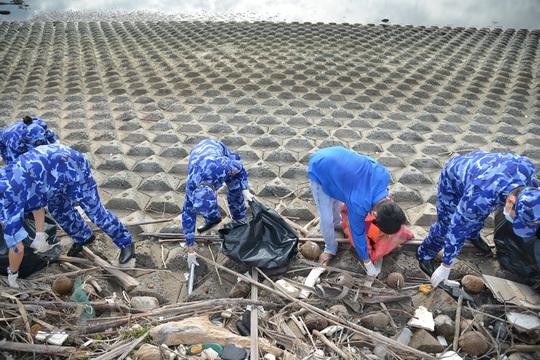 Cảnh sát biển tổ chức nhiều hoạt động ở Tiền Giang - Ảnh 12.