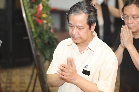 Xúc động tiễn đưa nhà thơ Hoàng Nhuận Cầm - Ảnh 4.