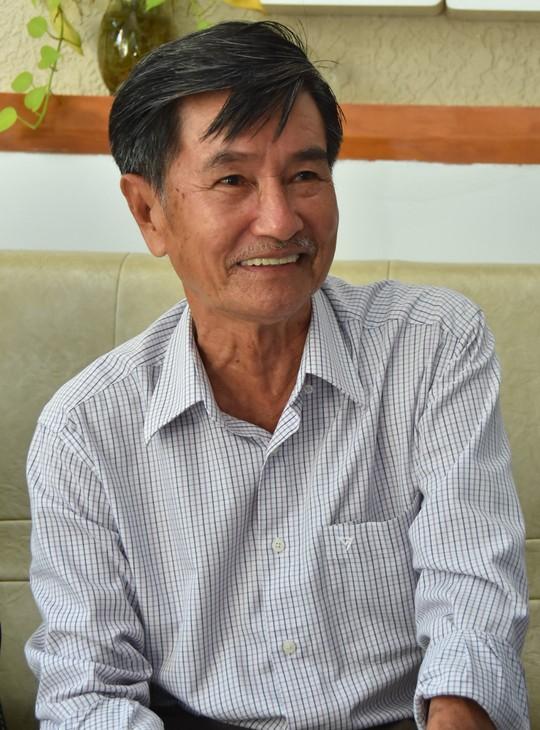 Mai Vàng nhân ái thăm nhà văn, nhà nghiên cứu Phan Chính - Ảnh 2.