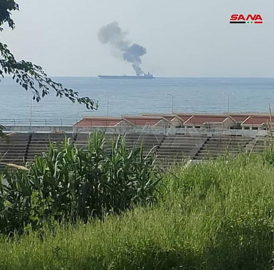 Tàu chở dầu Iran bị tấn công ngoài khơi Syria, 3 người chết - Ảnh 1.