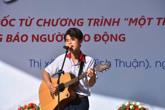 Đưa trường học đến thí sinh Bình Thuận: Tâm lý học có phải là ngành khua môi múa mép? - Ảnh 6.