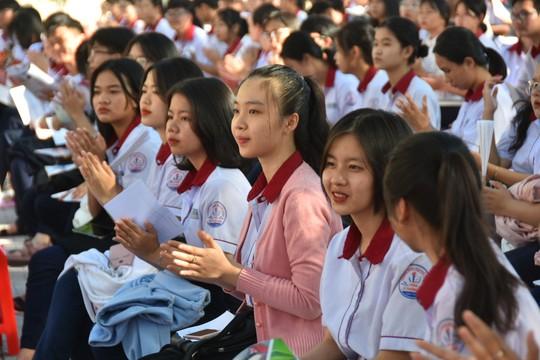 Đưa trường học đến thí sinh Bình Thuận: Tâm lý học có phải là ngành khua môi múa mép? - Ảnh 3.