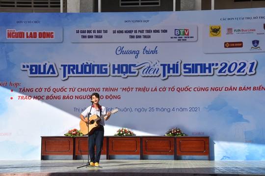 Đưa trường học đến thí sinh Bình Thuận: Tâm lý học có phải là ngành khua môi múa mép? - Ảnh 4.