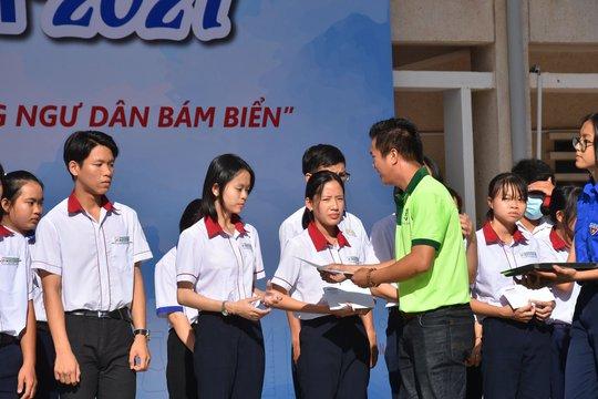 Đưa trường học đến thí sinh Bình Thuận: Tâm lý học có phải là ngành khua môi múa mép? - Ảnh 9.