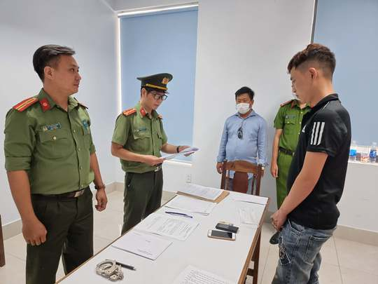 Bắt giam 14 đối tượng trong đường dây tổ chức, môi giới người Trung Quốc nhập cảnh trái phép - Ảnh 1.