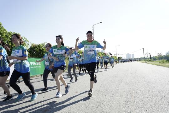 """Giải chạy """"Just Run - Vì một Việt Nam khỏe mạnh và thịnh vượng"""": Ra mắt phòng khám container miễn phí - Ảnh 1."""