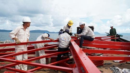 Dốc sức hoàn thành đường dây 220kV Kiên Bình - Phú Quốc - Ảnh 3.