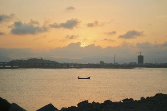 Phú Yên không chỉ có hoa vàng trên cỏ xanh - Ảnh 2.