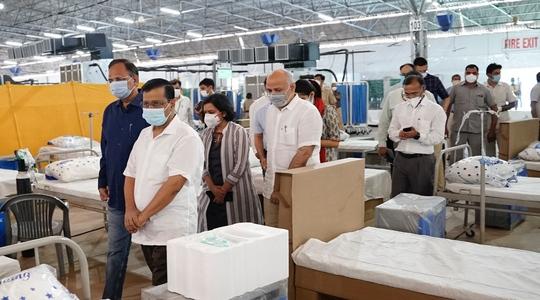 Vật tư y tế đổ vào Ấn Độ, số ca tử vong Covid-19 chạm mốc 200.000 - Ảnh 2.