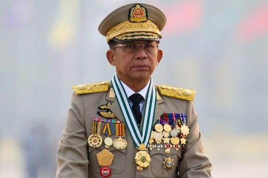 Súng lại nổ ở Myanmar, chính quyền quân sự hành động cứng rắn - Ảnh 1.