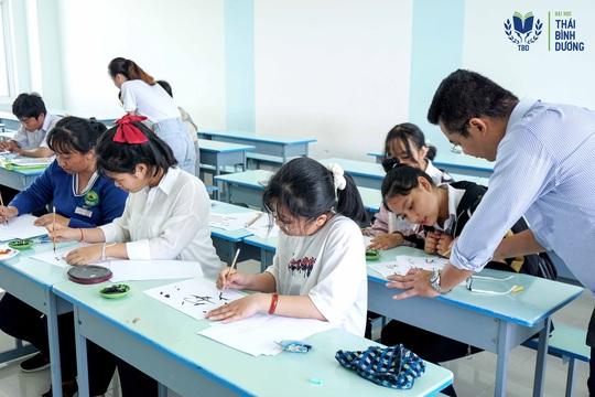 Ngành Trung Quốc học ĐH Thái Bình Dương: Học từ trải nghiệm để có việc làm lương cao - Ảnh 1.