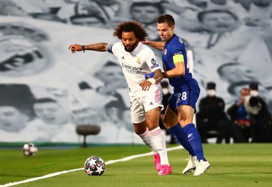 Real Madrid thoát hiểm trước Chelsea, HLV Zidane hoan hỉ - Ảnh 1.