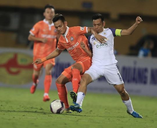 Hà Nội FC thất bại trước T.Bình Định ngay trên sân nhà Hàng Đẫy - Ảnh 5.