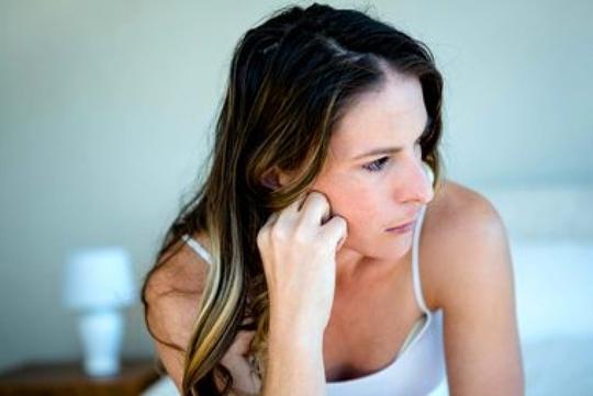 9 dấu hiệu trầm cảm ở phụ nữ sau sinh - Ảnh 1.