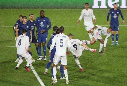 Real Madrid thoát hiểm trước Chelsea, HLV Zidane hoan hỉ - Ảnh 7.