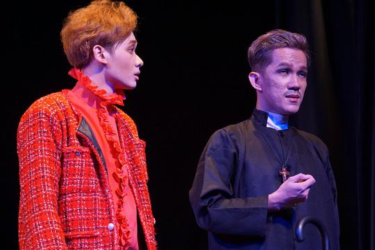 Romeo và Juliet cuốn hút khán giả, khiến Việt Anh, Hồng Vân hạnh phúc - Ảnh 6.