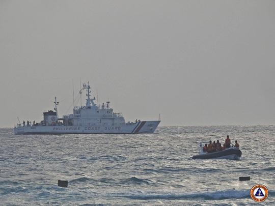 Tập trận ở biển Đông, Philippines bật lại Trung Quốc - Ảnh 2.