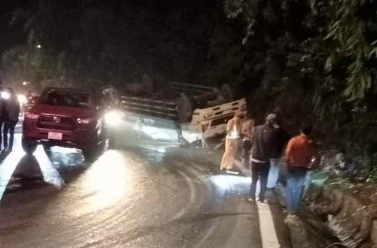 Tai nạn nghiêm trọng trên đèo Bảo Lộc, 2 sinh viên chết thảm - Ảnh 3.