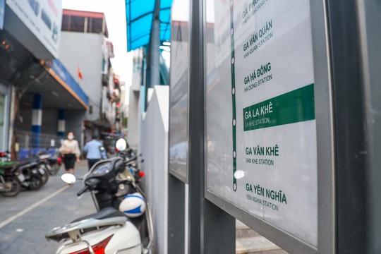 Cận cảnh cây xăng phải đóng cửa vì nguy cơ mất an toàn đường sắt Cát Linh-Hà Đông - Ảnh 3.