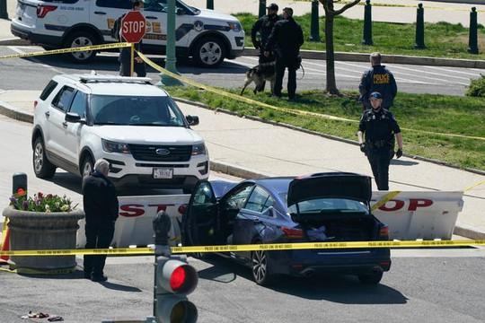 Lao xe vào hàng rào an ninh, giết chết cảnh sát Quốc hội Mỹ - Ảnh 3.