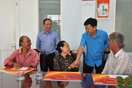 Mai Vàng nhân ái hỗ trợ 3 nghệ sĩ ở Bến Tre - Ảnh 7.