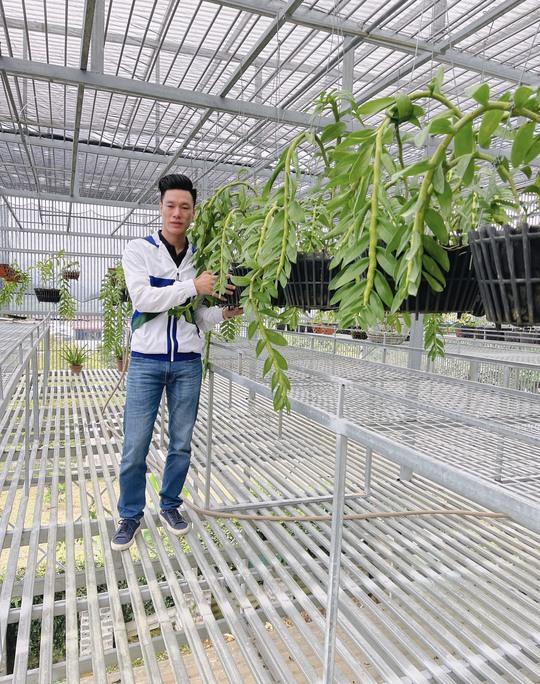 Ông chủ vườn lan Vũ Hoàng Giang với vườn lan giá trị gây sốt cộng đồng mạng - Ảnh 3.