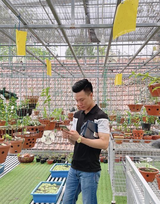 Ông chủ vườn lan Vũ Hoàng Giang với vườn lan giá trị gây sốt cộng đồng mạng - Ảnh 4.