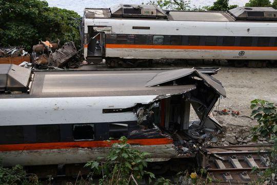 Phút định mệnh trong vụ tai nạn tàu hỏa Đài Loan - Ảnh 3.