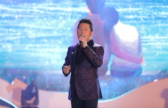 Bằng Kiều – Minh Tuyết hòa nhịp cùng hàng ngàn khán giả xứ Thanh trong đêm nhạc Chuyện tình yêu - Ảnh 2.