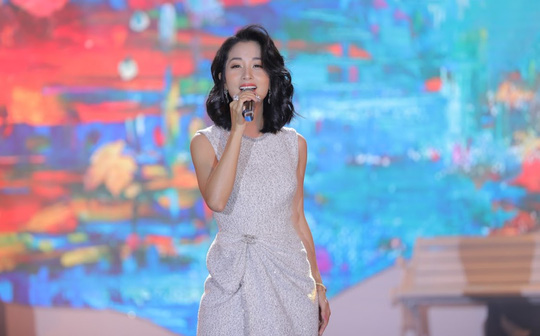 Bằng Kiều – Minh Tuyết hòa nhịp cùng hàng ngàn khán giả xứ Thanh trong đêm nhạc Chuyện tình yêu - Ảnh 6.