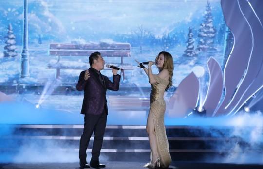 Bằng Kiều – Minh Tuyết hòa nhịp cùng hàng ngàn khán giả xứ Thanh trong đêm nhạc Chuyện tình yêu - Ảnh 8.