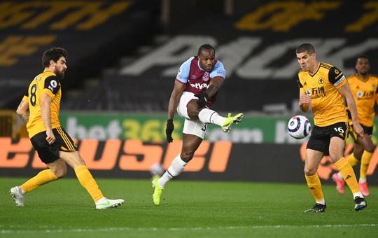 Super Lingard lập siêu phẩm, West Ham lần đầu vào top 4 - Ảnh 1.