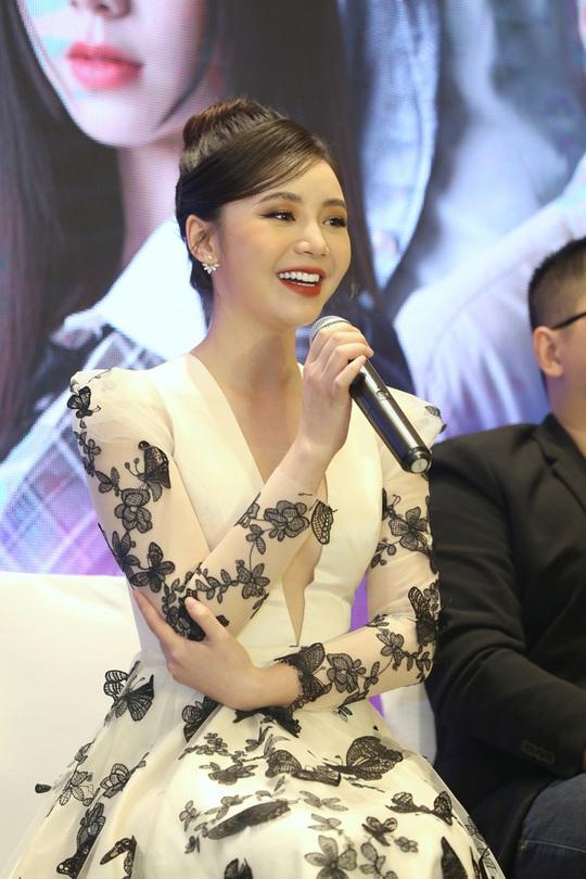 Quỳnh Kool bị đánh ghen tơi bời khi quay phim mới - Ảnh 1.