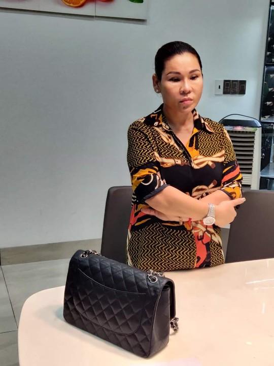 Bà Lâm Thị Thu Trà bị bắt liên quan vụ án Thiện Soi - Ảnh 1.