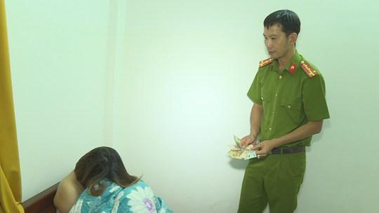 Phát hiện đường dây mại dâm từ phía Bắc vào Đắk Lắk - Ảnh 2.
