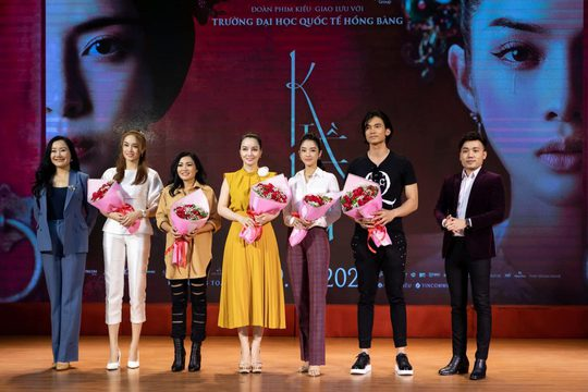 Ca sĩ Phương Thanh máu lửa, mang phim Kiều giao lưu sinh viên - Ảnh 3.