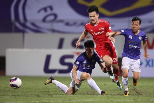 CLB Hà Nội và CLB Viettel: 2 thẻ đỏ, 1 bàn thắng - Ảnh 6.