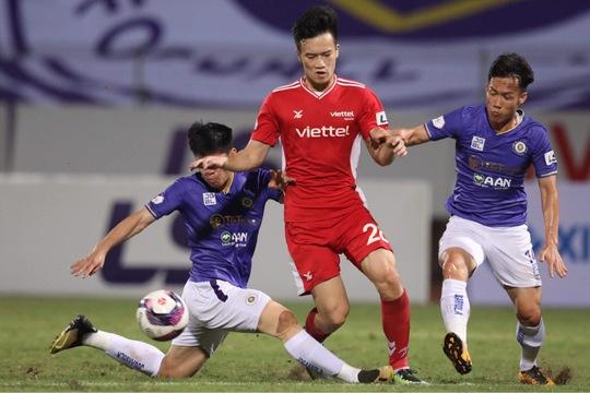 CLB Hà Nội và CLB Viettel: 2 thẻ đỏ, 1 bàn thắng - Ảnh 11.