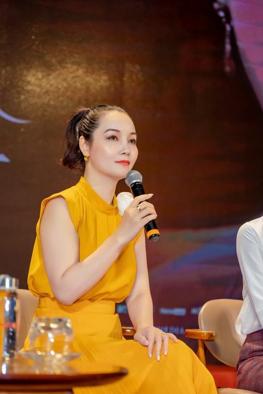 Ca sĩ Phương Thanh máu lửa, mang phim Kiều giao lưu sinh viên - Ảnh 2.
