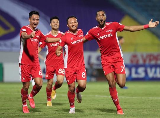 CLB Hà Nội và CLB Viettel: 2 thẻ đỏ, 1 bàn thắng - Ảnh 9.