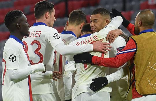 Bayern Munich gục ngã sân nhà, PSG mơ vé bán kết Champions League - Ảnh 1.
