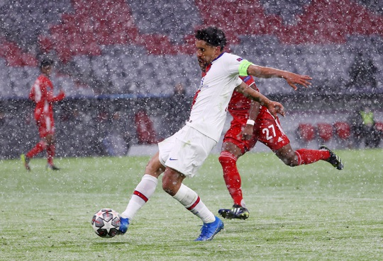 Bayern Munich gục ngã sân nhà, PSG mơ vé bán kết Champions League - Ảnh 4.