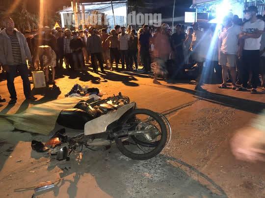 Quảng Nam: Ôtô điên lùa 4 xe máy, 2 người chết, 2 bị thương - Ảnh 4.