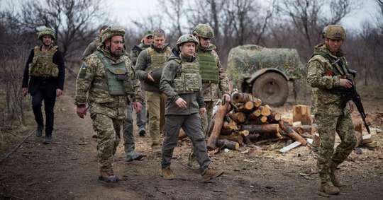 Căng thẳng Ukraine: Nga nói cứng, Mỹ cân nhắc điều tàu chiến - Ảnh 3.