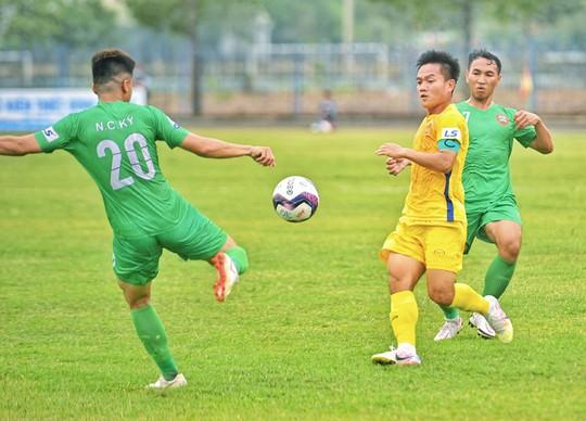CLB Quảng Nam gây thất vọng tại Giải Hạng nhất 2021 - Ảnh 2.