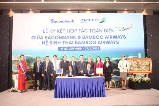 Sacombank và Bamboo Airways hợp tác toàn diện - Ảnh 1.
