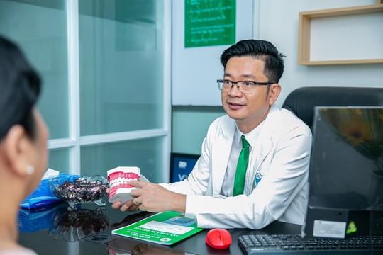 Cấy ghép từ 2 Implant phải đến bệnh viện chuyên khoa - Ảnh 1.