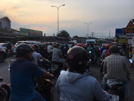 Đồng Nai sẽ đề nghị xử nặng những trạm thu phí không xả trạm để kẹt xe kéo dài - Ảnh 3.