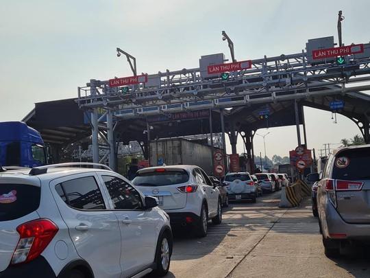 Đồng Nai sẽ đề nghị xử nặng những trạm thu phí không xả trạm để kẹt xe kéo dài - Ảnh 1.