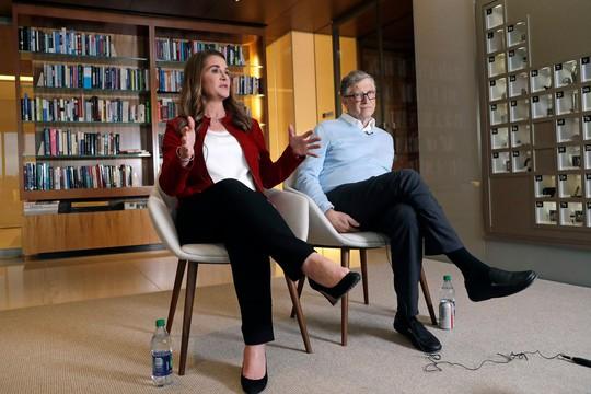 Vợ chồng ông Bill Gates rạn nứt vì tỉ phú ấu dâm? - Ảnh 1.
